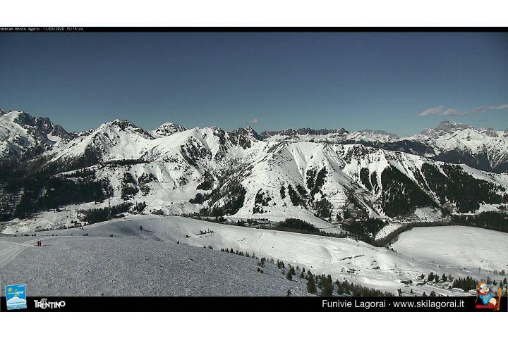 Webcam Vista dall'arrivo della seggiovia Larasè verso le Dolomiti, Passo Brocon