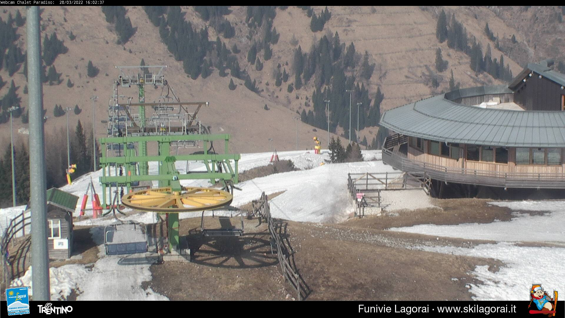 Webcam arrivo seggiovia centrale rifugio panoramico