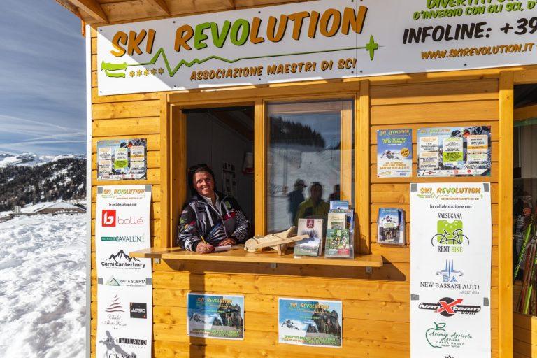 Associazione Maestri Sci Ski Revolution a Passo Brocon (TN) 1